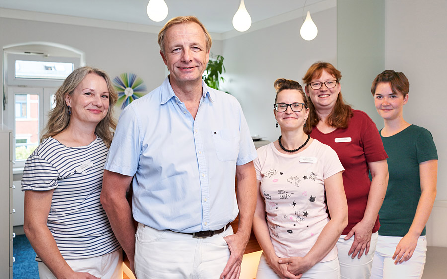 Dr Frank Vetter und Team